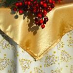 Karácsonyi asztalterítő krém - arany fenyős terítő