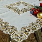 Karácsonyi asztalterítő - horgolt betéttel