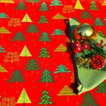 Karácsonyi abrosz piros - fenyő mintás