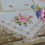 Asztalközép terítő - Emily rózsái 85x85cm