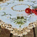 Karácsonyi asztalterítő - zöld gyertyás 85x85 cm