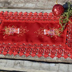 Piros kis terítő - piros csipkés 35x45cm